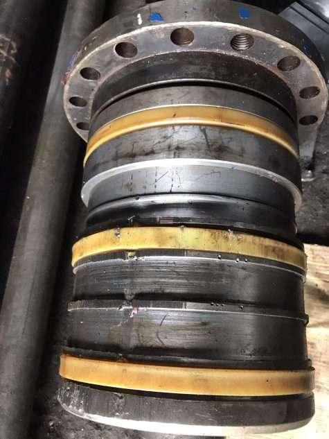 hydraulic piston damaged